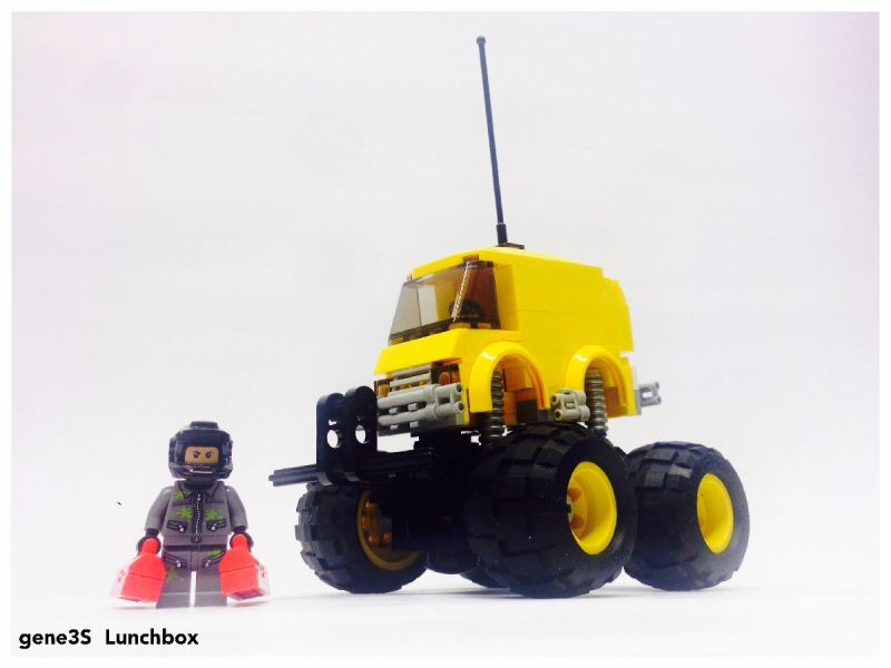 rc radio with Classic Tamiya Rc Cars Recreated With Lego 5 on Classic Tamiya Rc Cars Recreated With Lego 5 additionally Merici Pristroje also R1 moreover CASO 05 furthermore Cigar Galaxy M82.